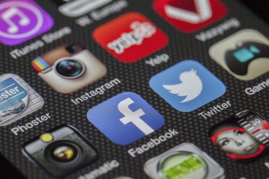 Jak NGO wykorzystują potencjał internetu? social media