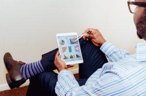 Analiza danych statystycznych w sklepach internetowych