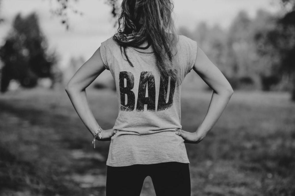 zły content dziewczyna